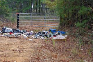 county-road-2-trash-copyright-jje3-2007.jpg